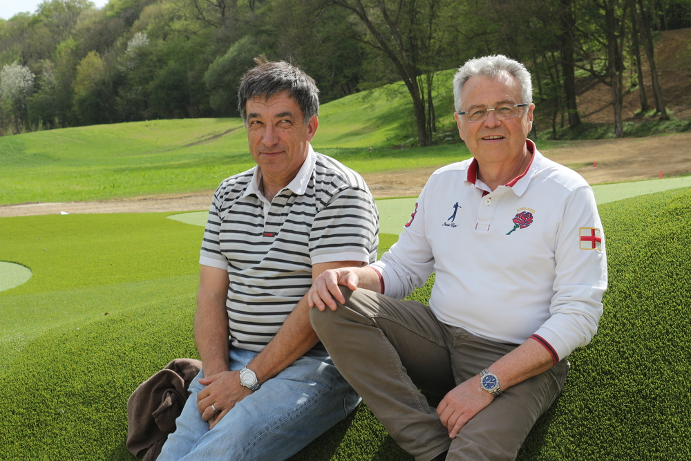 Guy Trocellier (à dte) et Christian Allins, actionnaire de GolfOnly