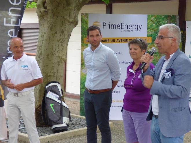 de g à dte, Patrick DREVON, Promoteur de l'épreuve, Vincent SCATTOLIN, Maire de Divonne les Bains, Geneviève GIRBIG, Directrice du golf et Jules CRUZADO, Prime Energy